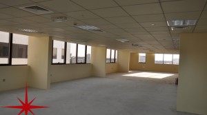 SEMI-FITTED OFFICES IN DIP, CLOSE TO THE ENTRANCE