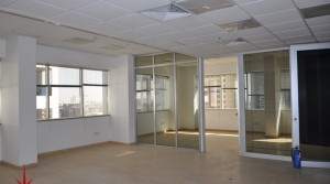 Large Fitted Office Space at a Reasonable Price on Main SZR Next to Metro